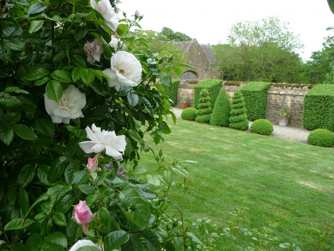Bourton House Garden One Of The Finest Tourist Attractions In The Cotswolds